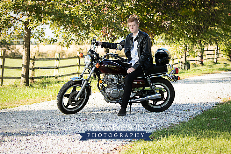 high school senior boy portraits nauvoo il